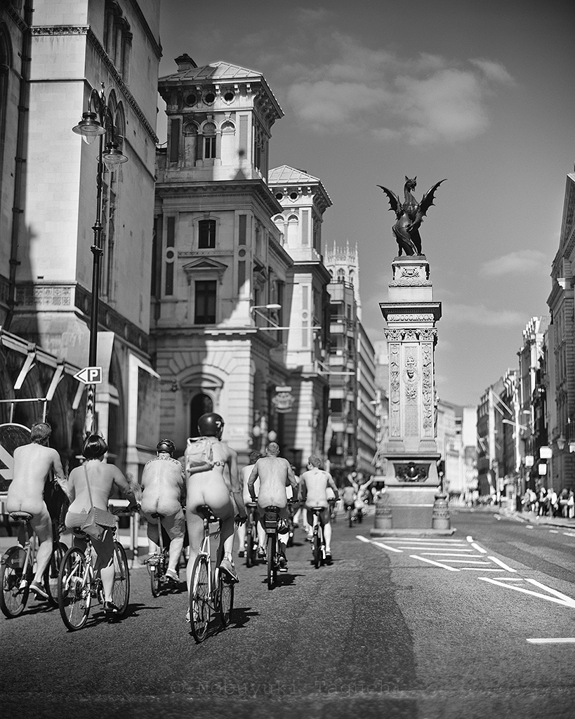 London by 5x4 (4x5) Large Format with Aero Ektar - World naked bike ride, Fleet street